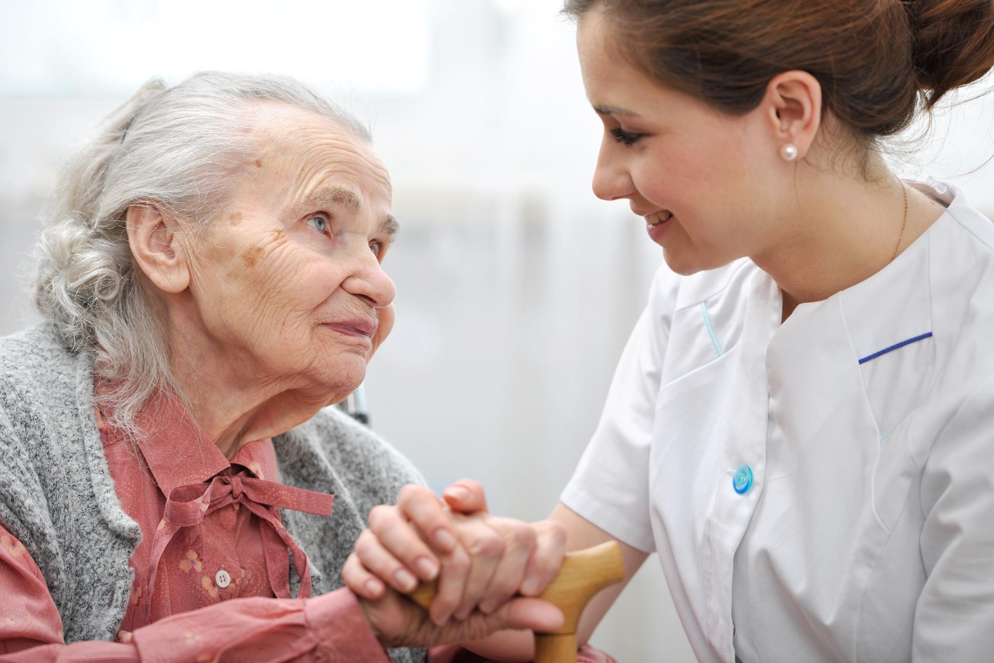 دلایل رفتن به آسایشگاه سالمندان