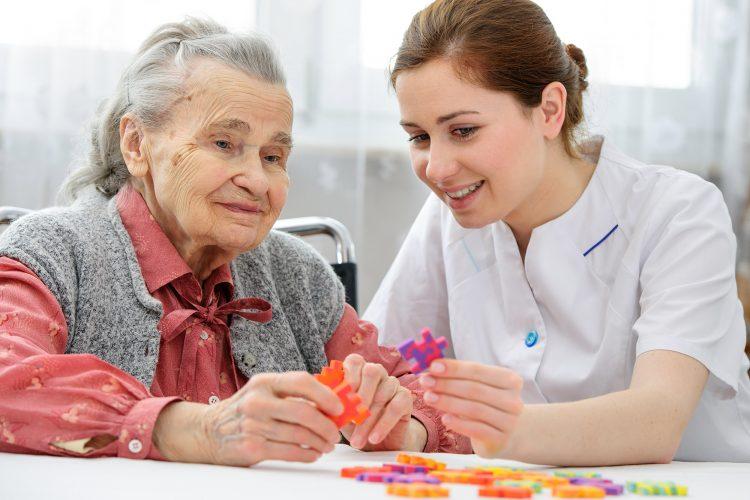راهنمای انتخاب خانه سالمندان