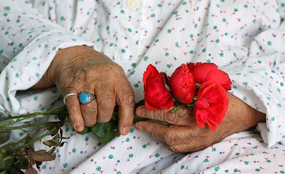 تعدد جمعیت سالمندان در پاسداران و نیاز به خانه سالمندان در این محدوده